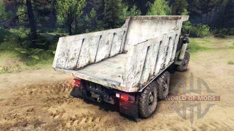 El cuerpo del camión en los Urales para Spin Tires