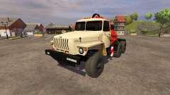 Ural-5557 grúa de marfil
