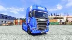 La piel V8 Topline en la unidad tractora Scania