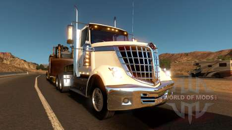 Internacional de LoneStar en el tráfico para American Truck Simulator