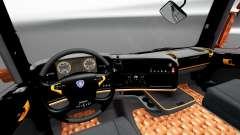 El negro y el naranja interior para Scania