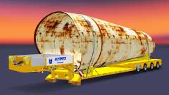 Bajo marco de arrastre con una carga de tuberías