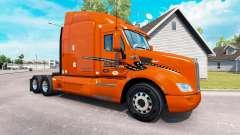 La piel Schneider Nacional sobre camión Peterbil