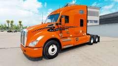 La piel Schneider Nacional sobre camión Kenworth