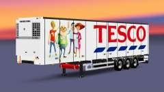 Una colección de trailers con diferentes cargas
