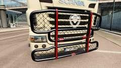 El V8 de parachoques en el tractor Scania