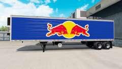 La piel de Red Bull en el semirremolque-el refri