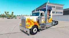 La piel de un Bombero en el camión Kenworth W900