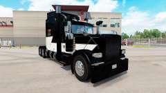 Piel Blanca Z Raya en el camión Peterbilt 389