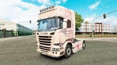 La piel Pink Panter en el tractor Scania