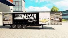 La piel de NASCAR en una cortina semi-remolque