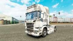 La piel del Ejército en el tractor Scania