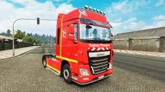 La piel Sapeur Pompier en el tractor DAF